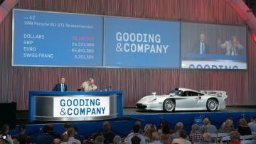 1998 Porsche 911 GT1 Strassenversion at Auction