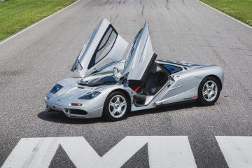 1995 McLaren F1 Doors Open