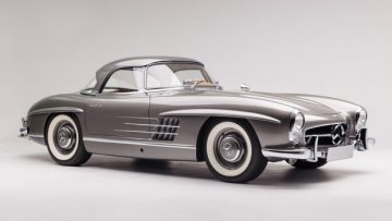1960 Mercedes Benz 300 SL Roadster, estimate $1,100,000 - $1,300,000