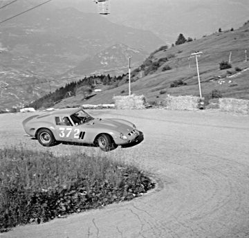 Edoardo Lualdi-Gabardi drives the 250 GTO at the 8 July 1962 Trento-Bondone hill climb, where it placed 1st in class and 6th overall (Courtesy of The Klemantaski Collection)