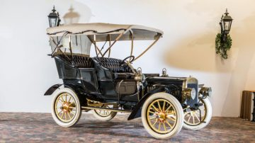 Den Hartogh 1905 Ford Model B Side Entrance Tonneau