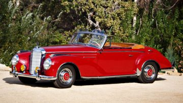 1956 Mercedes-Benz 300 Sc Roadster (Estimate: $900,000 – $1,300,000)