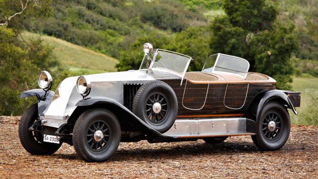1925 Renault 40 CV Torpedo Skiff (Estimate: $900,000 – $1,200,000)