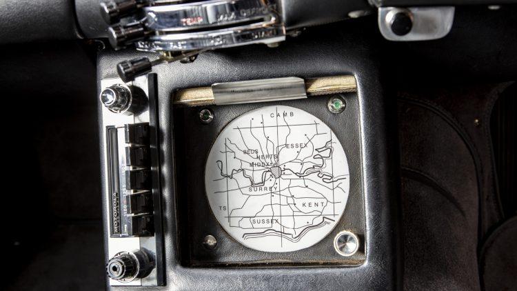 1965 Aston Martin DB5 James Bond GPS