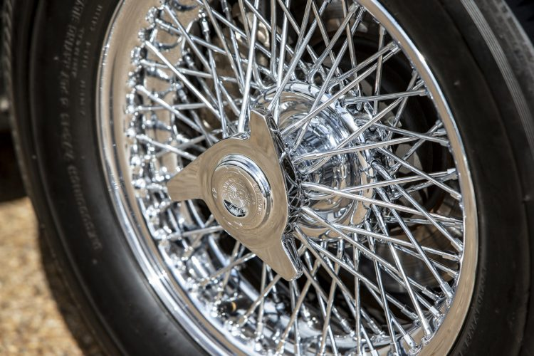 1965 Aston Martin DB5 James Bond wheel