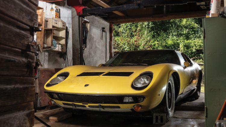 Yellow 1969 Lamborghini Miura P400 S