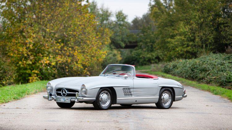 1963 Mercedes-Benz 300SL Roadster sold for €1,033,333 at Bonhams Paris 2020