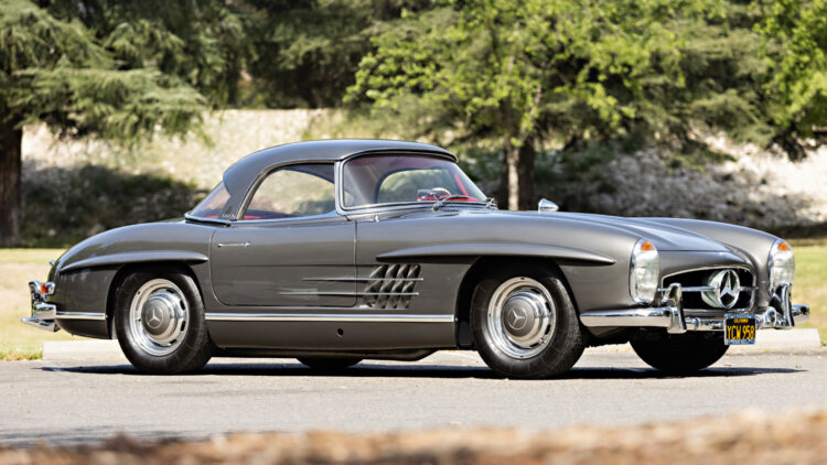 1961 Mercedes-Benz 300 SL Roadster with hard top sold at Gooding Geared Online May 2021 Auction