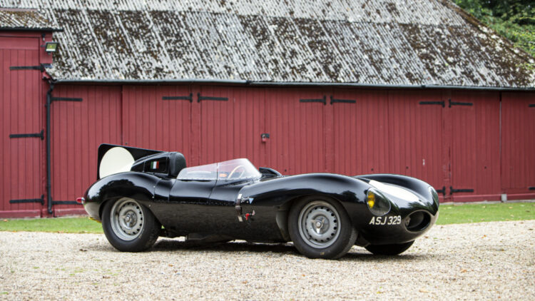 A 1956/1980s Jaguar D-Type sold for $1,100,000 to top the results at the Bonhams Goodwood Revival sale 2021 while a 1993 Jaguar XJ220 achieved a model record $635,000.