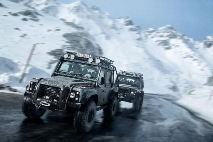 2014 Land Rover Defender 110 Double Cab SVX, Spectre
